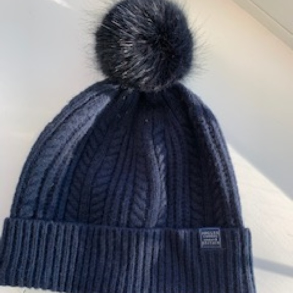 Women's Navy Wool Cable Knit Hat